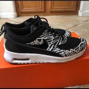Nike Thea Woman's  Zebra 7.5